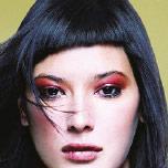 Gestaltungskonzept für den Geschäftsbericht eines Unternehmens der Haar- und Kosmetikbranche